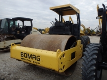 2011 Bomag BW211D-40 Smooth Drum