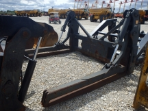 "2014 Wicker Machine 116"" x 96"" Pipe Clamp Forks"